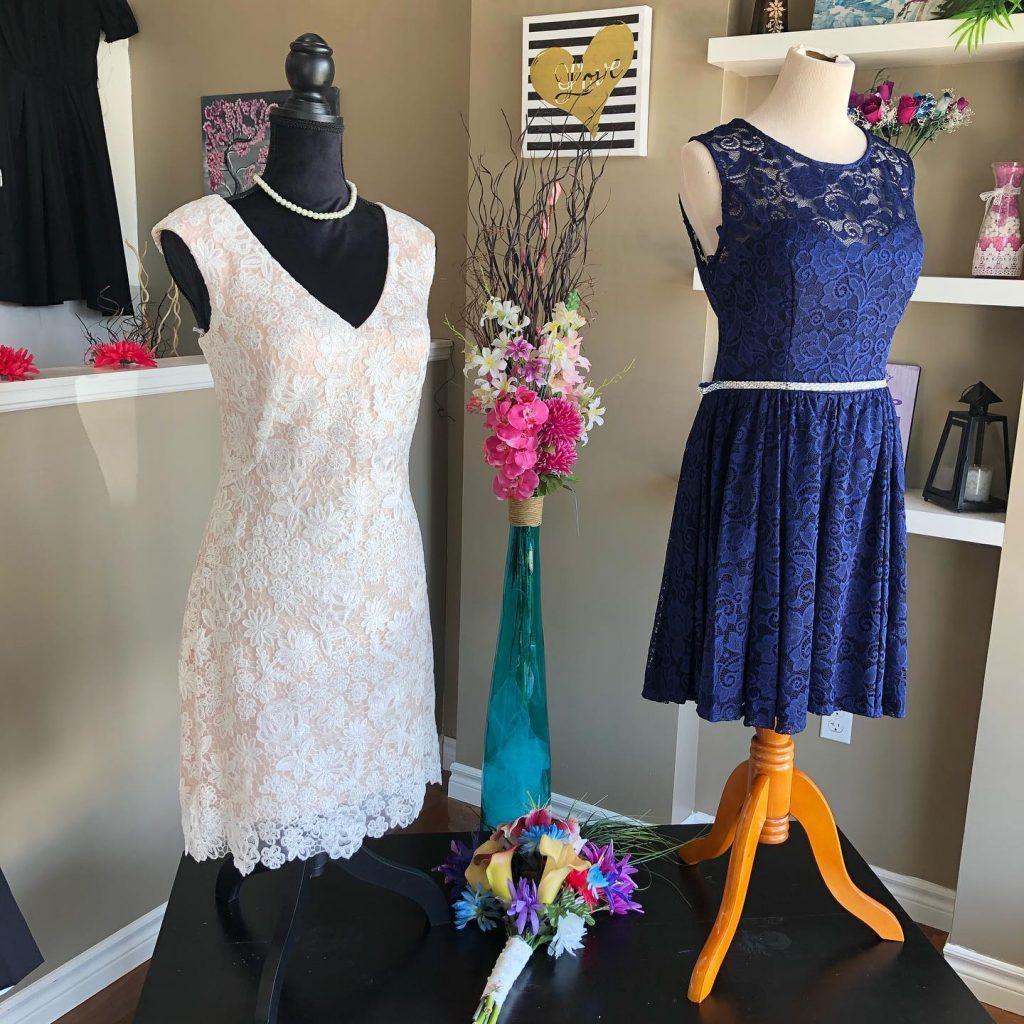 Lacy short White/Navy dresses