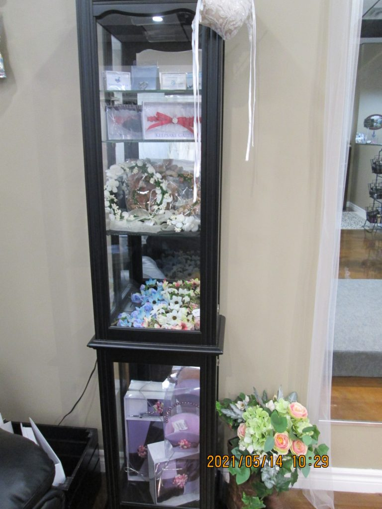 Accessories for your hair, garters, jewelry