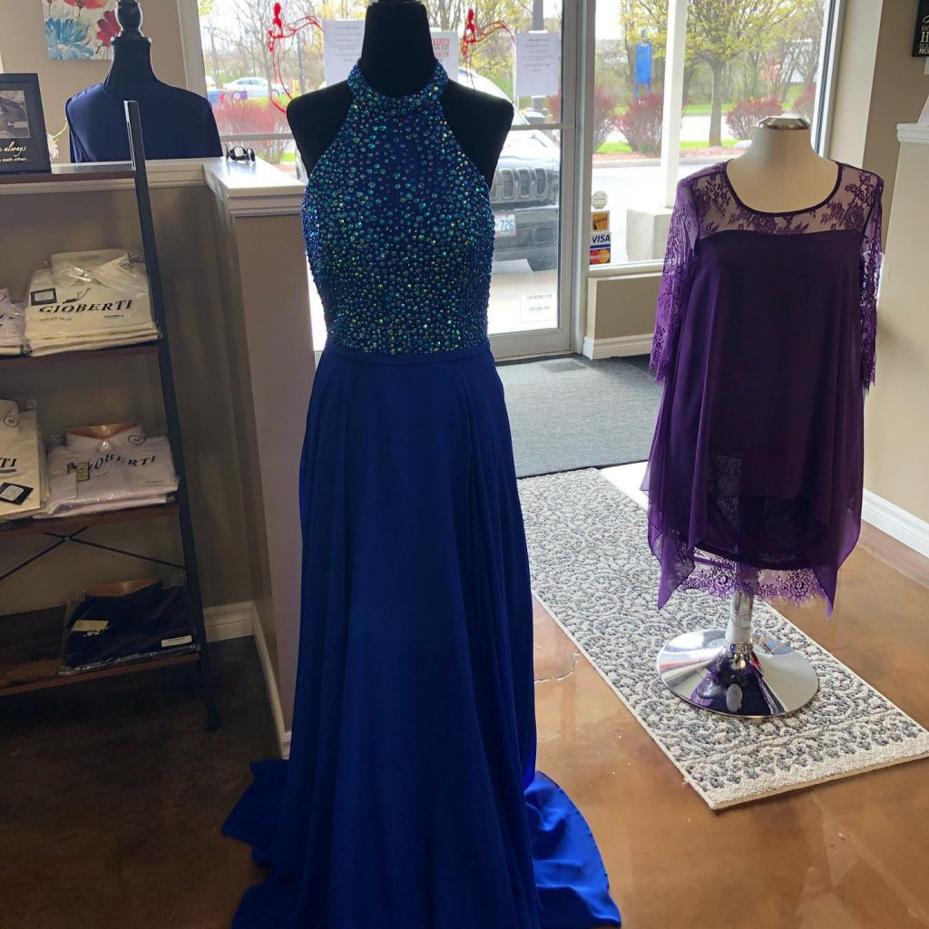 Long and short Gowns to go